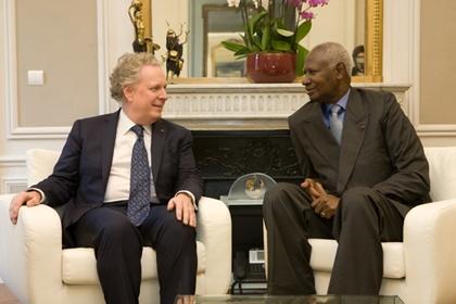 Jean Charest meets Abdou Diouf